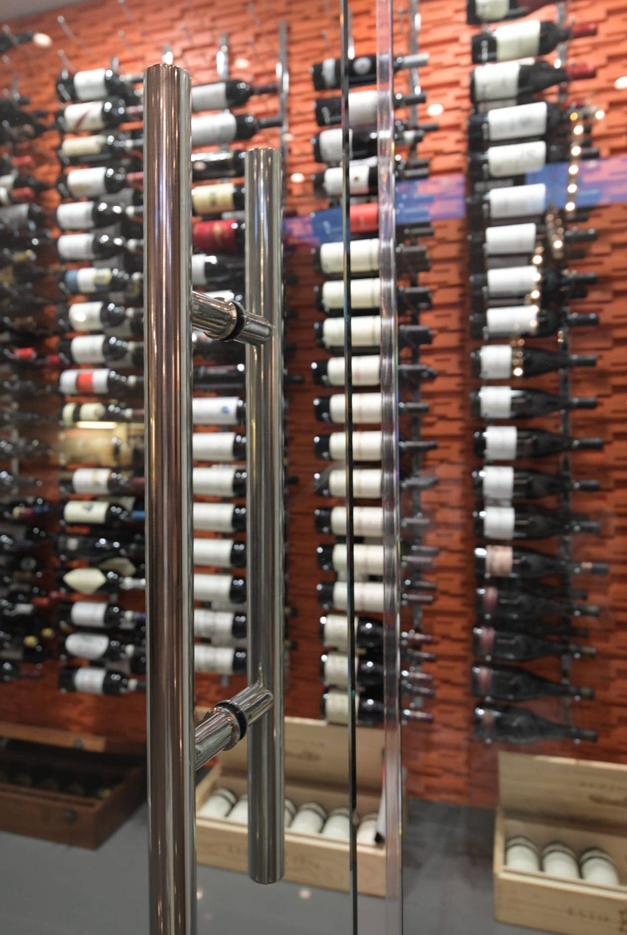 Gasket was place at the doors to seal the wine cellar when the door is closed.